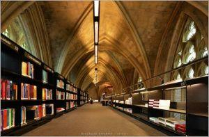 Selexyz-Dominicanen-bookshop-2