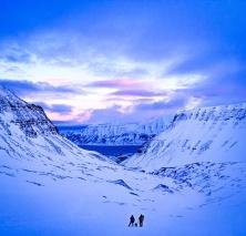 svalbard-ice-cave-trip-spitsbergen